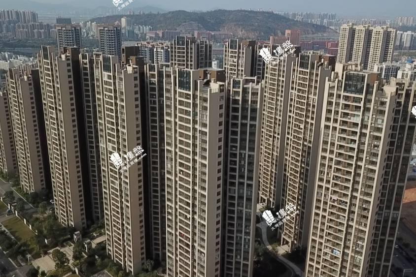 中海左岸嵐庭_珠海|首期10萬|大型屋苑|即買即住|香港銀行按揭 (實景航拍)