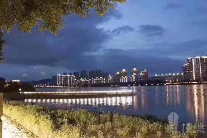 海倫堡海倫灣_中山 中山維多利亞港 900蚊呎 海濱江地鋪長廊